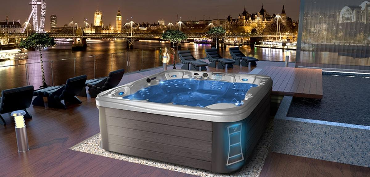 Peakline Everest Whirlpool Jacuzzi Spa von Wellis
